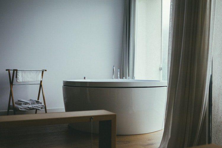 bañeras en el suelo