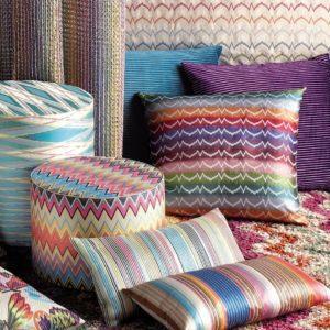 almohadón de colores claros, redondos, cuadrados y rectangulares