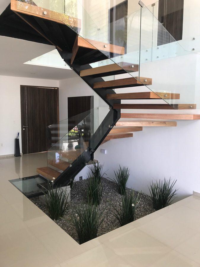 escalera con vidrio